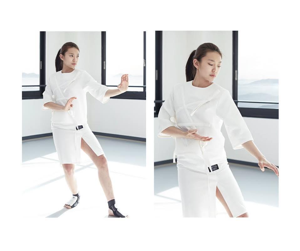 [2015 S/S Belt Slit Skirt (白色)]  簡化跆拳道腰帶,側面開杈的時尚裙子設計