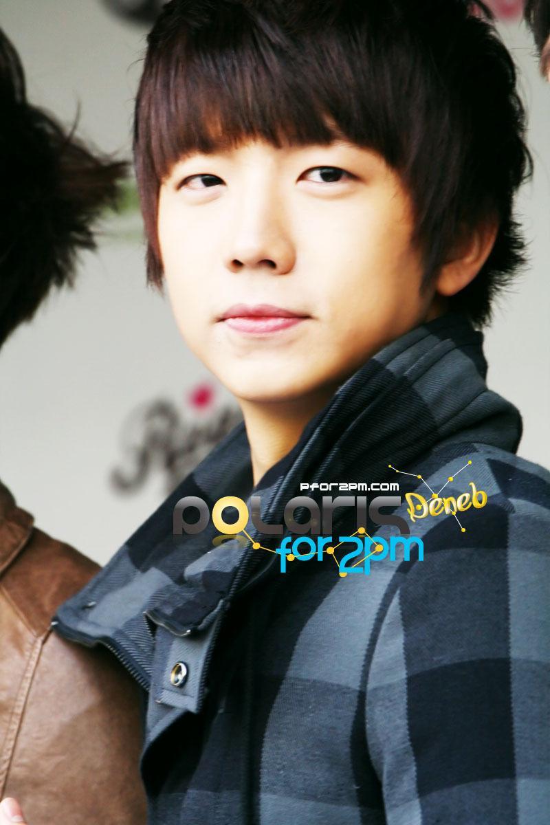 2PM—張祐榮,釜山鎮區/ Donseong小學—Donseong中學—Gumsung高中