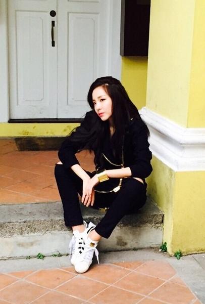 2NE1,甚至YG公司藝人內大比拚的話,30代排行榜一定會忽略Dara!