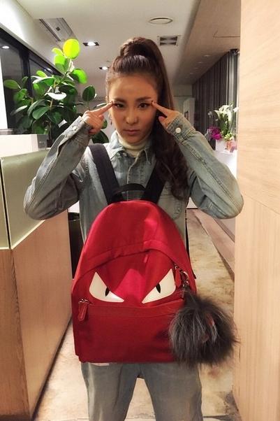 常發簍Dara的粉絲應該知道她很常會上傳自己的照片,所以今天小編精選這位最強童顏的一些照片和大家分享!