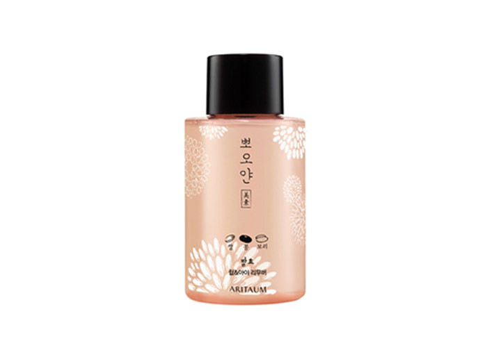 Poyan Make up Remover / 250ml / 1,1000韓圜(台幣約315元)  推薦的小編說:以發酵穀物作為成分,即使皮膚敏感的人也可以放心使用。我平常都是以卸妝油做第一次的潔顏,但是有時帶有厚重妝感時,就會用這款商品,做第二次的眼部卸妝。