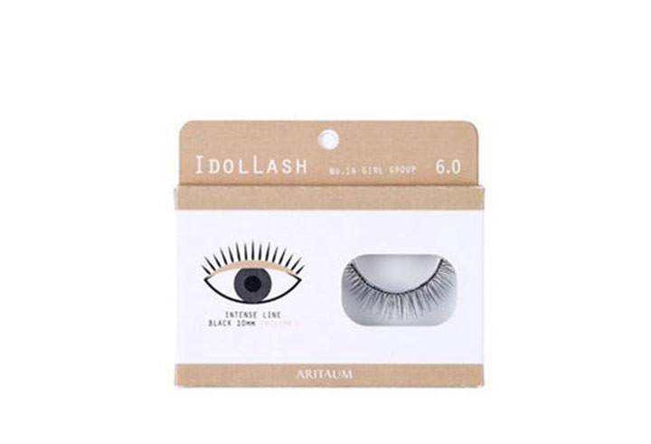 Idol Lash Natural / 1ea / 6,000韓圜(台幣約170元)  推薦的小編說:韓國美妝小舖中,個人覺得最能夠自然服貼的假睫毛,就是這款拉!其他一般的假睫毛通常是以X交叉型模樣製成,但是這款假睫毛只以睫毛延長的概念設計,因此看起來更加自然,以假亂真,真的很棒!