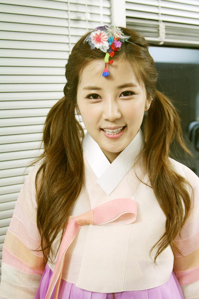 例如下個月即將到來的中秋節,因為是重要的節日,韓國人都會穿上韓服以表示隆重