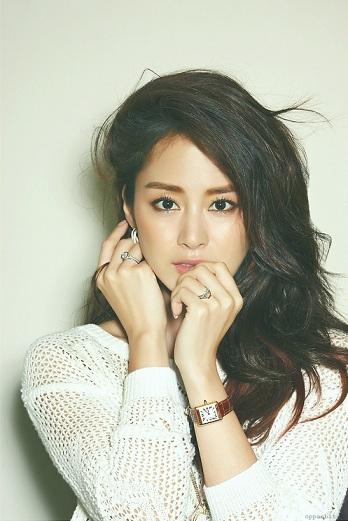 12. 金泰熙 謠傳說:在韓國絕對生不出這種臉.......QQ