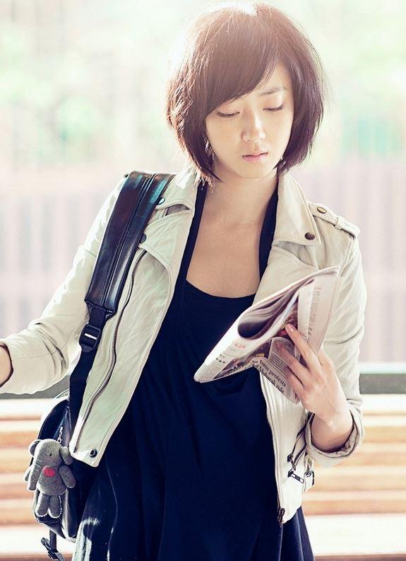 不只如此,最近韓國很流行的「腦性女」,指知性美女,桂綸鎂也算台灣的腦性女代表摟~
