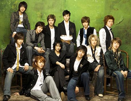 先為大家講解一下,起範是2005年Super Junior出道時就一起的元老成員