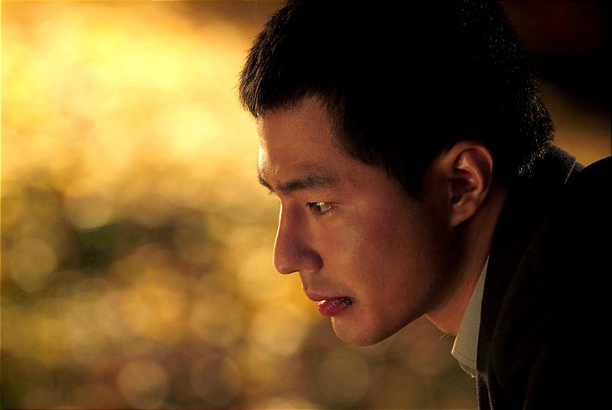 #3. 電影《卑劣的街頭》: 趙寅成 (飾 炳斗)