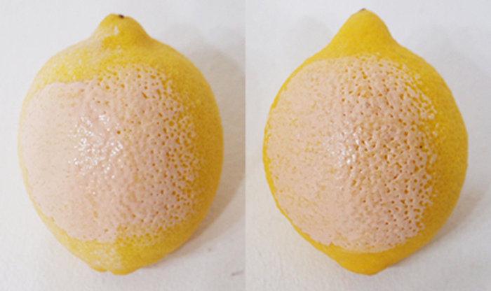 使用在檸檬上的測試!左邊塗上兩樣產品後,再擦上粉底液,看起來是不是毛孔更小,表面更光滑了呀^^