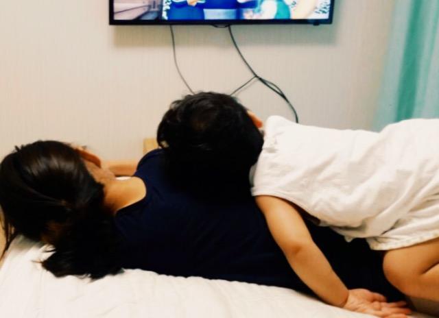 不管哪一國,現在都有許多小媽媽年紀輕輕就有孩子,今天小編跟大家分享一下韓國年輕媽媽投訴的「苦逼生活」一起來看看吧! !