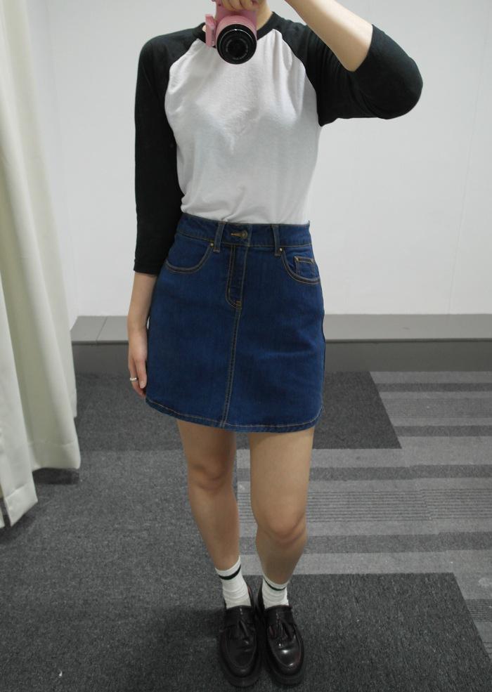 (顏色_INDIGO, 尺寸:24 )  MIXXO主打的牛仔裙是經典的深藍色、基本設計的牛仔裙!