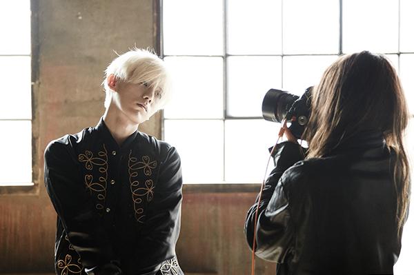 真是羨慕攝影師,有機會可以拍到這麼美麗的男子