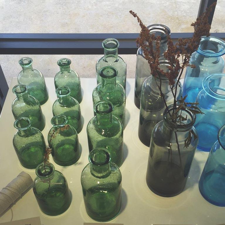 第一次覺得空瓶子也可以這麼有藝術氣息