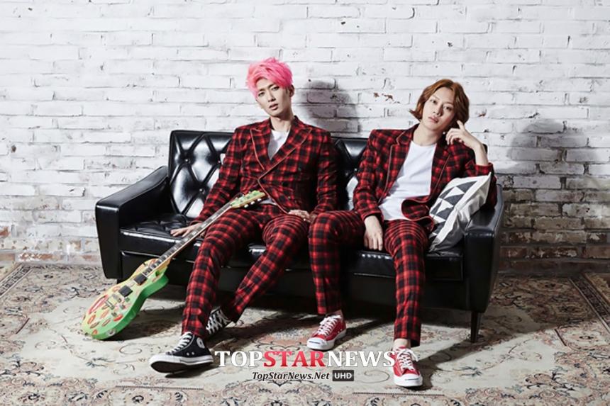 以為4月份SM的行程可以喘口氣嗎?錯了! 突然宣布限定小隊M&D回歸!他們是由SM旗下搖滾樂團Trax的吉他手金政模,與Super Junior的希公主(欸?)金希澈所組成,2011年推出首張單曲後本以為限定組合無法再度看到,4月份驚喜回歸樂翻了歌迷