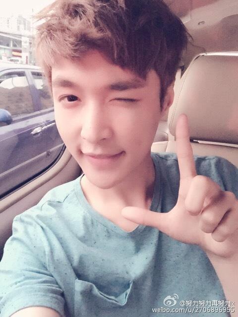 第11名:EXO LAY 粉絲數:9,082,055 ID:2706896955