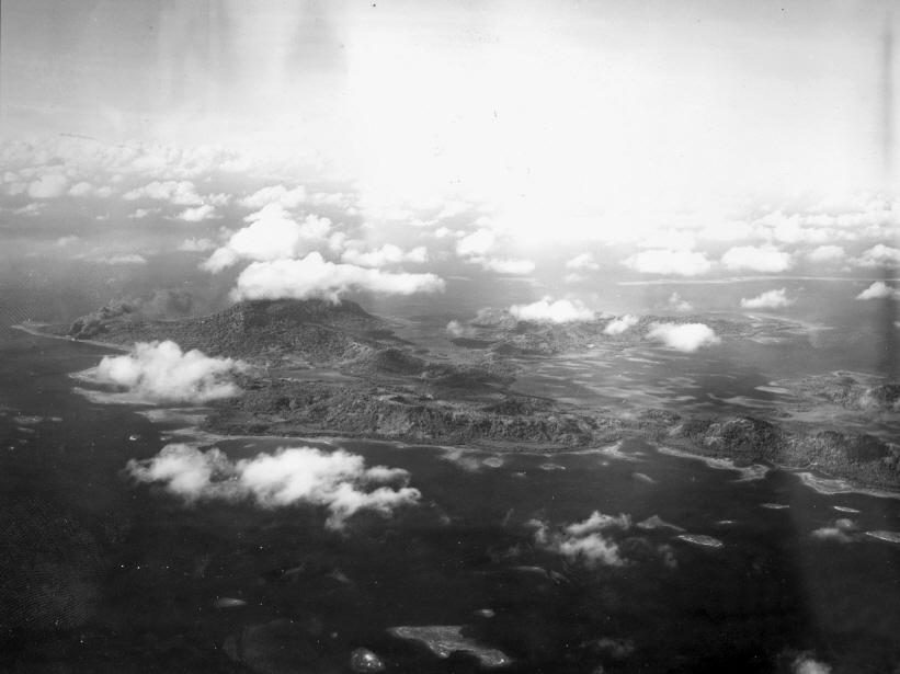 1944年,這裡的珊瑚礁是太平洋戰爭中,日軍用做軍事基地的地方,因為進入珊瑚礁的入口只有兩個,所以被日軍當做安全要塞。