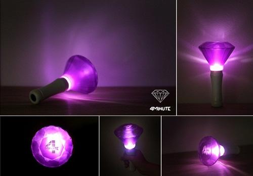#4minute 應援色為珍珠紫,雖然小編覺得拿這個造型的應援燈,感覺自己是美少女戰士那類的~(變身)