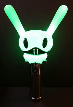 #B.A.P  因為團體的概念就是外星來的6隻兔子(為什麼是兔子?月兔嗎?) 所以手燈也這樣設計囉~