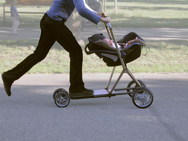 前提就是小孩一定要固定好,不然麻麻用力大了直接把孩子飛出去怎麼辦?