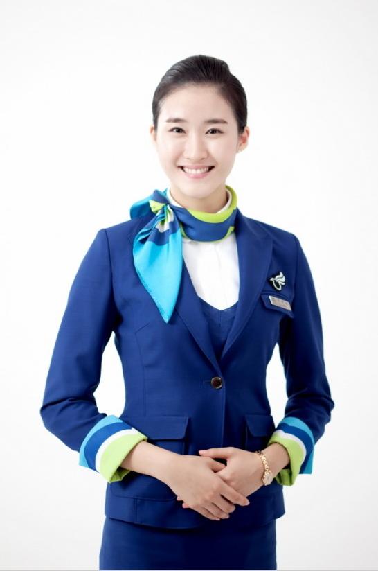 用的是釜山品牌顏色「 深藍色」
