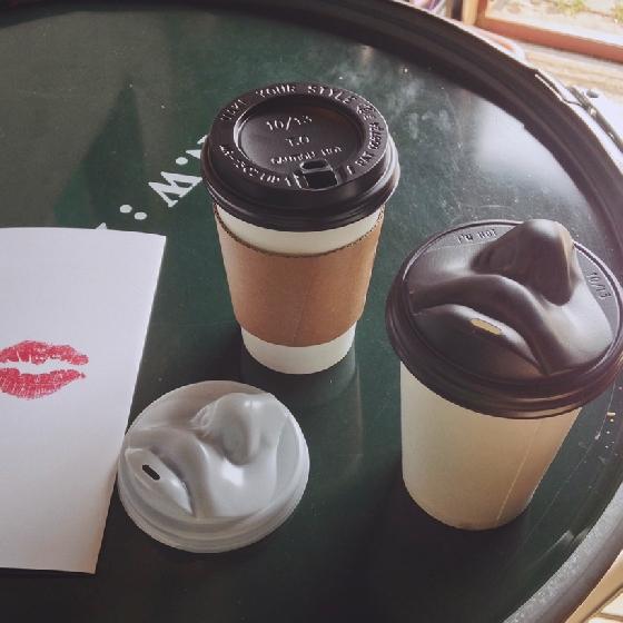 接吻咖啡杯(哀耶!)