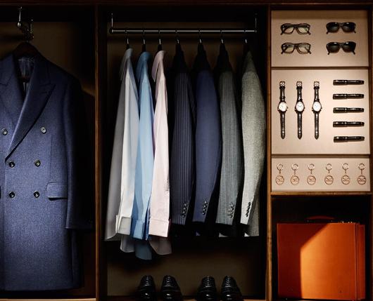 西服作為秋季最流行外套,不管哪個場合都好穿,就看你如何選擇西服款式與搭配。如今西服已經不再局限於職場裝,也可以很優雅,也可以很街頭。
