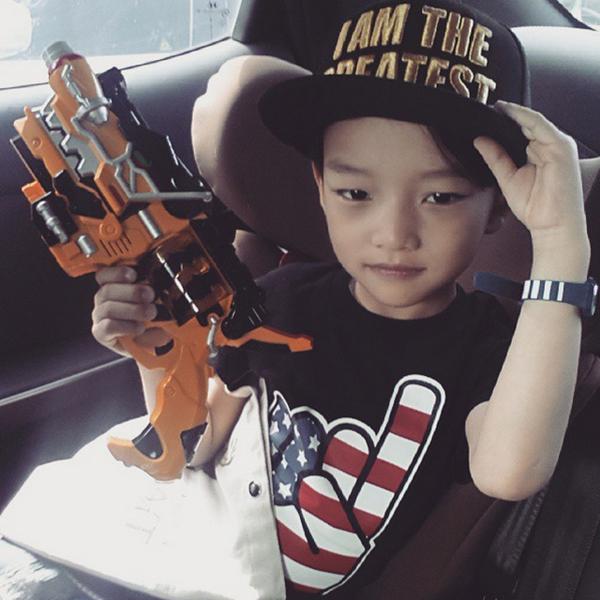 韓國人最喜歡帶的棒球帽也不錯過
