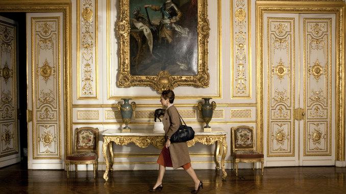 影片根據真實故事改編,講述了一名超有性格的女大廚在法國總統的住所愛麗舍宮擔任主廚的故事。