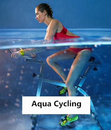 Aqua Cycling起源於法國,顧名思義,就是將自行車和游泳結合起來——在水裡騎自行車。雖然是在水裡運動,但不會游泳的人也OK~因為水深只到腰部。