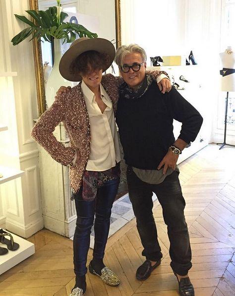 最近~就連世界級的鞋設計師─義大利的搖滾鞋王Giuseppe Zanotti都看上他,聯手推出限量鞋款~