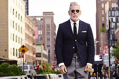 Nick Wooster不僅是買手界的元老,其經典雋永、態度十足的個人著裝風格,更讓他成為街拍界的大神。