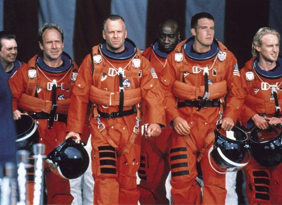 4. 世界末日 (Armageddon, 1998) 20年代末好萊塢科幻巨作... 講述了人類派太空人炸毀即將撞擊地球的小行星的故事,片名Armageddon源於聖經啟示錄中世界末日之戰。