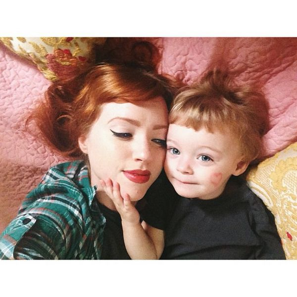 留著齊耳Bob短髮的大眼萌娃,在媽媽的精心打扮下,常常以各種多變可愛的造型出現,簡直就是真人洋娃娃!趕緊來看看,是不是超級萌?!☆...