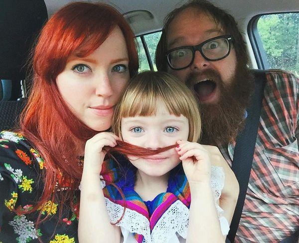 我和我最愛的家人...♡  話說看到這麼可愛的小姑娘,都想要生一個了呢!