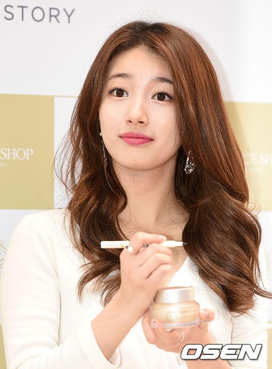 秀智這邊的JYP娛樂也表示,對這樣的報導正在確認中,需要和本人加以確認的時間