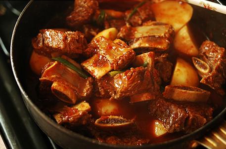 韓式燉排骨,也是韓國人過重要節日時必吃的一道美食!