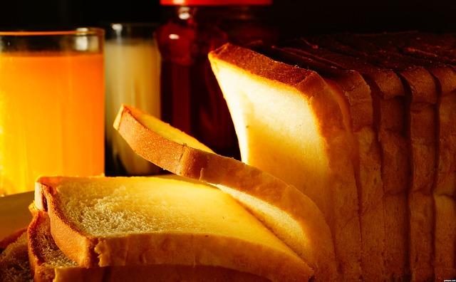2. 小包裝麵包 偶爾想吃麵包,但卻常常剩下一兩片,或是放進冰箱之後就遺忘了呢。
