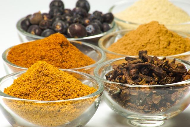 4. 佐料類 想要料理美味,除了要放辣椒醬,醬油,大醬等常用的佐料,還可能需要添加一些特別的佐料...(?)...但常買了也不經常用啊~