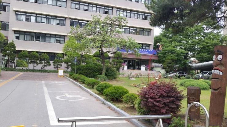 2位) 首爾藝術高中 : 242名, 首爾鍾路區