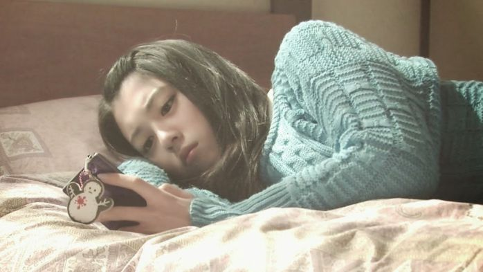 電影的話,松隆子主演的《告白》她也有尬上一角,只是是同學演員的其中之一