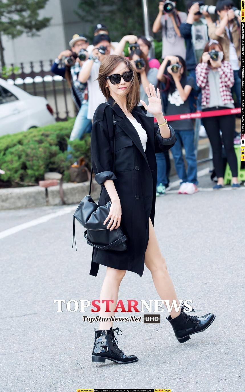 對了!珉豪常討教演技的對象 少女時代的潤娥~希望這次專輯活動結束後 也能快快傳出新劇的好消息囉!