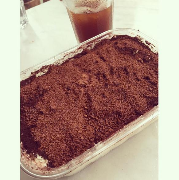 在惠林的IG上也可以找到宣美牌蛋糕的蹤跡 這次則是提拉米蘇!