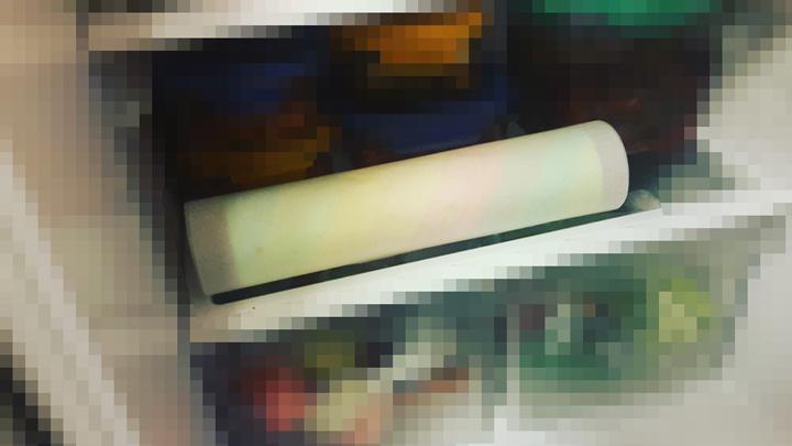13. 直接包著紙放入冰箱冷藏定型,冷藏一下的奶油也比較好切。