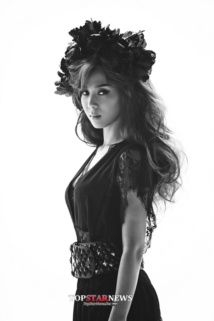 第四位要介紹的是「尹未來(尹美萊)」。  她是韓國著名的女 Rapper,同時也是 OST 屆首屈一指的歌手喔!