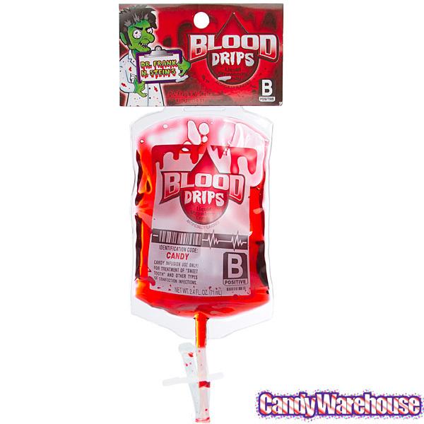 這一款糖果的品名很幽默叫「殭屍不挑食」 強調是符合所有殭屍口味的血型 雖然鮮紅色的液體看起來很詭異 但其實只是甜甜的草莓汁啦!