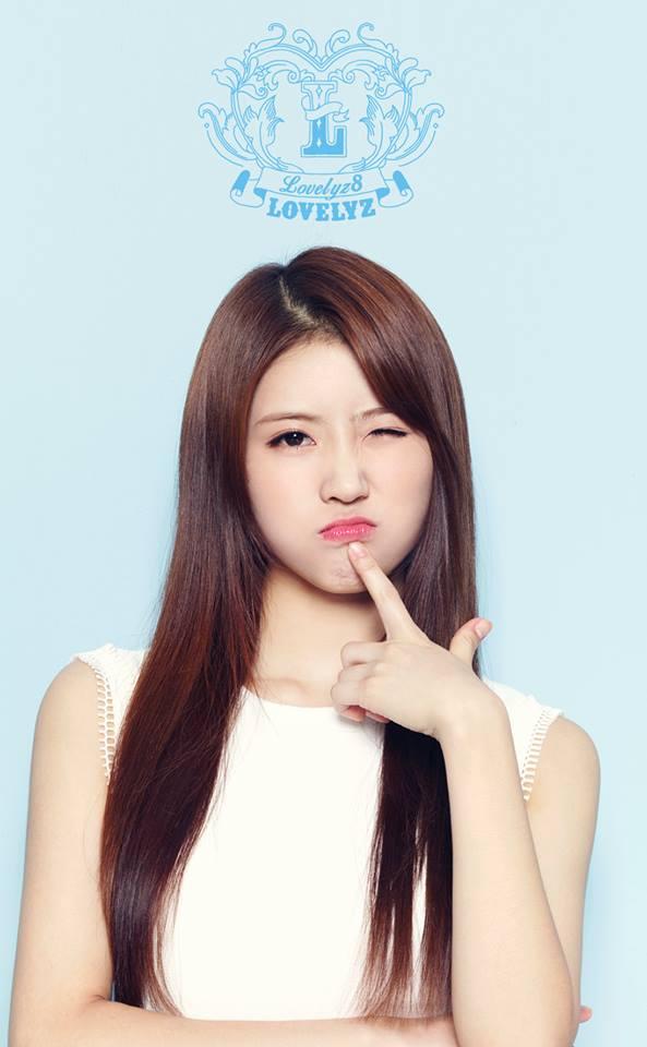 最近發行新專輯的 Lovelyz 也有成員是「勝利學員」的學生喔!大家猜到是誰了嗎?沒錯!就是長相甜美的美珠(미주)。