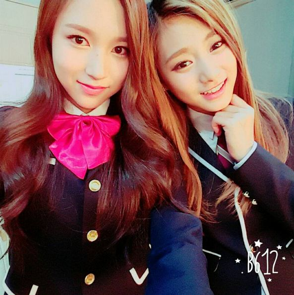 出道前的校服廣告..(都不是小編學校的T0T) Mina&子瑜