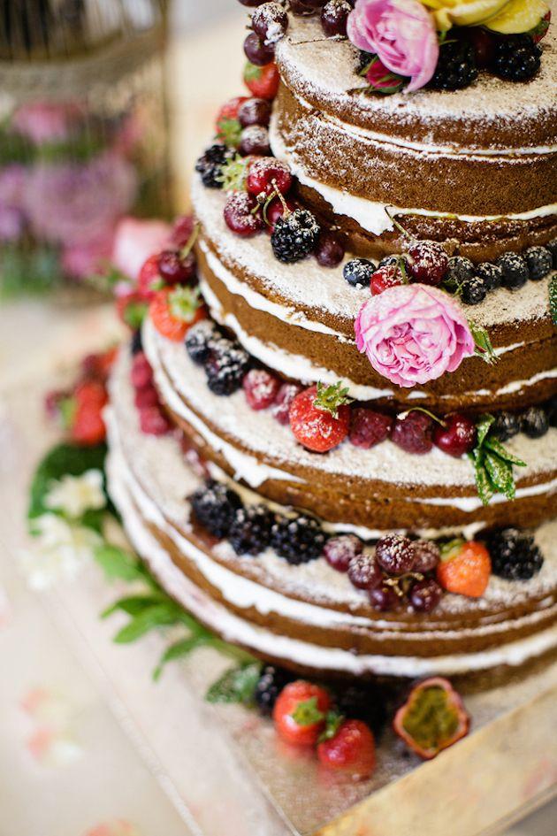 這款蛋糕的魅力是放了很多很多的水果~耶!