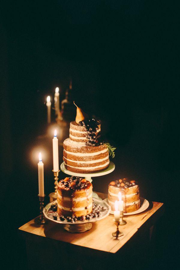 感覺一疊一疊的蛋糕一出現就會被大家吃光光 請允許一人一個蛋糕!