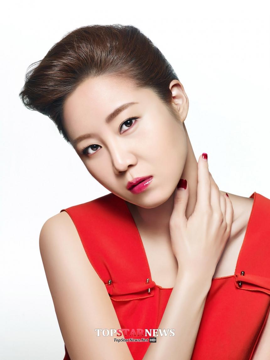 相貌不算突出、模特兒出身的演員孔孝真,但近年來包攬了各路男神,每次主演的韓劇一經播出,她在劇中的穿搭和美妝必然會引起一股新的流行熱潮。