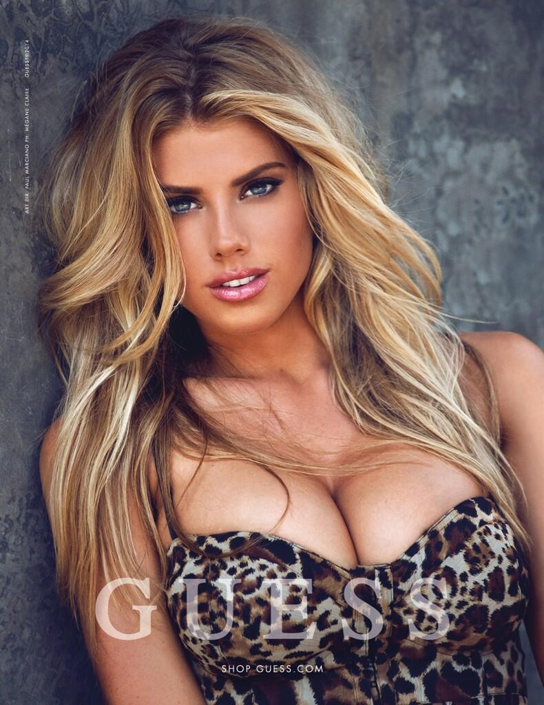 ABCDEF...G.... 以G罩杯而有名的模特兒Charlotte McKinney 好強烈喲. b